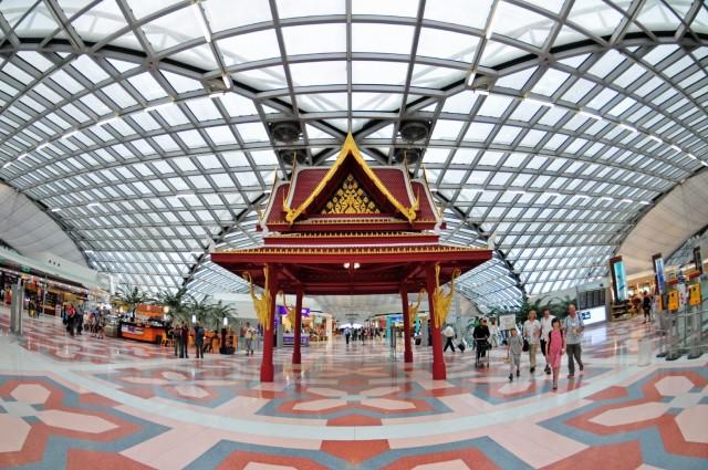 При необходимости большего периода пребывания в Таиланде получается туристическая виза сроком на 3 или 6 месяцев. Вы также можете продлить период визы, обратившись в иммиграционный департамент Бангкока: immigration.go.th.